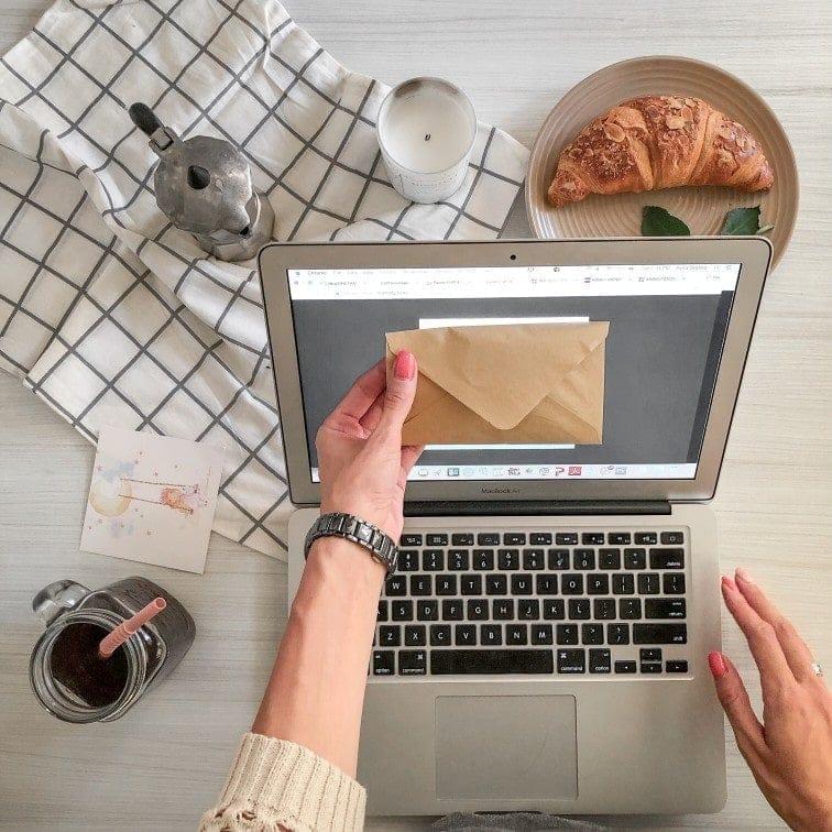 cuenta de email corporativo