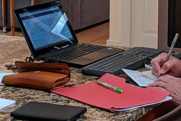 ¿Cómo usar Mailchimp para tus newsletters? Las técnicas de marketing incluyen diferentes formas de lanzar campañas, y una de ellas y quizás de las más populares es el envío de correos electrónicos por medio de newsletters. Y en este sentido, quizás la herramienta más conocida sea la que dirige un simpático mono. ¿Qué tal si aprendemos en este artículo cómo usar Mailchimp para tus newsletters?
